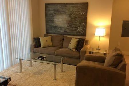 Lux 2 Bedroom Apt in Cambridge w/pool, gym, wifi - Concord