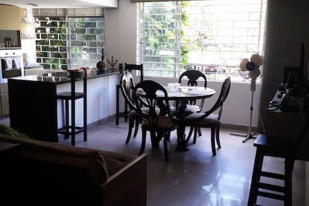 Lovely Single Room, El Poblado. Feel at Home! - Medellin
