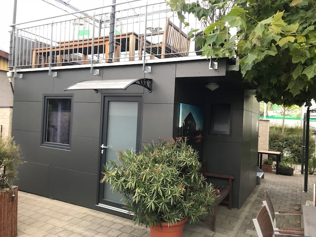 Tiny House Black Pearl