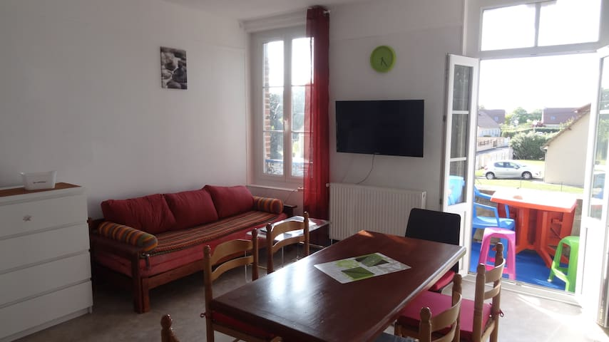 3 BEDROOM ROOMY and COMFORTABLE  FLAT &  BALCONY - Dives-sur-Mer - Apartament
