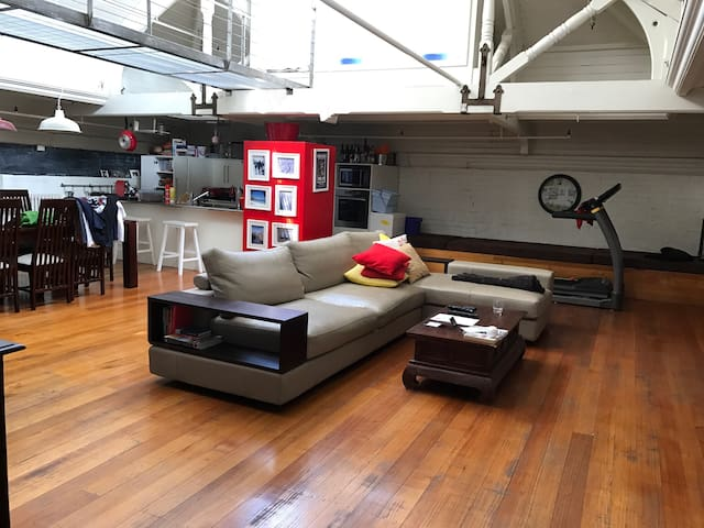 Spacious warehouse loft - Collingwood - Appartement