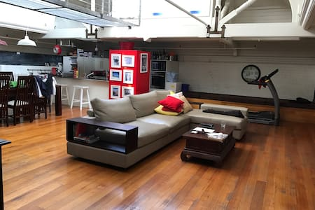 Spacious warehouse loft - Collingwood - 公寓