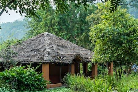 Vanghat - India's only Walking Safari Lodge - Deema Range