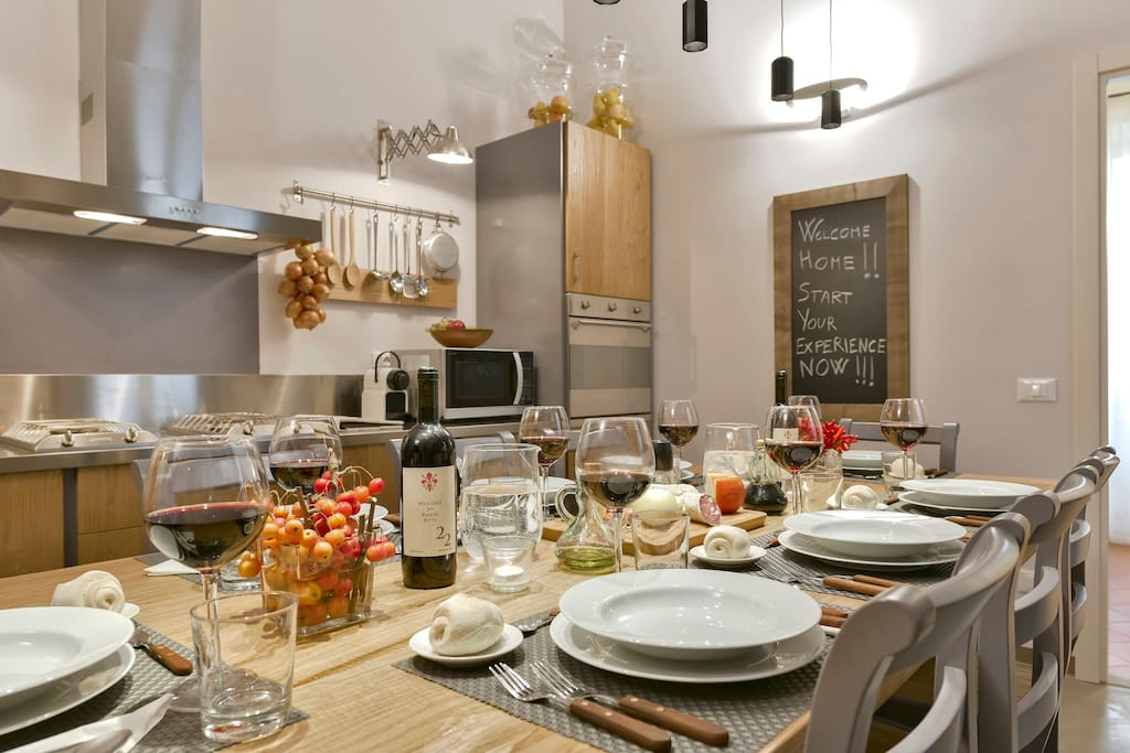 Pitti Luxury Apartment Florence: Magnificent Kitchen