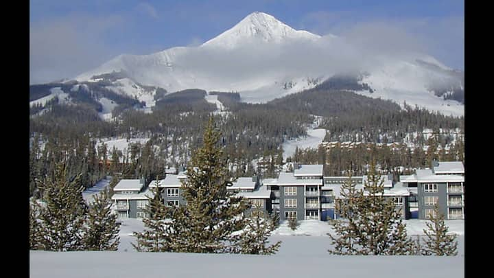Big Sky Xmas!  Family Friendly 2 Bedroom/Bath Unit