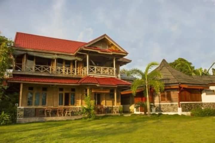 Oinan Lodge, Telescope Break Mentawai Island