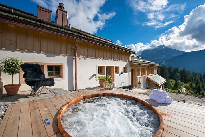 Gstaad, Super Luxurious catered & serviced Chalet - Lauenen