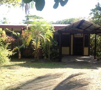 Villa Natalia - Parrita - Haus