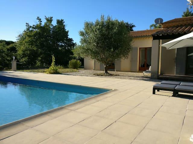 France, Sud, Gard, Villa avec piscine près d'Uzès - Fontarèches - Hus