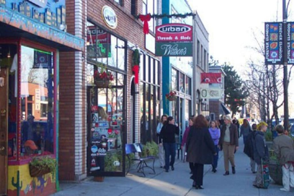 The Elmwood Village is only 1 mile away and offers locally owned boutiques, cafes, restaurants & more.