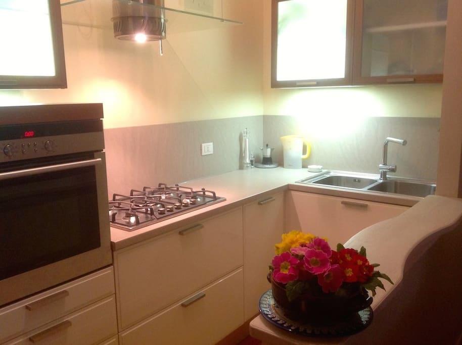 Cucina attrezzata/Fully equipped kitchen