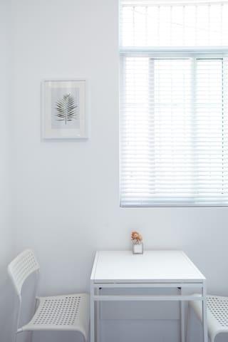 琳House SH RoomA迪士尼民宿整套卫浴独立浦东机场15km私家花园烧烤优惠接送新增空气净化