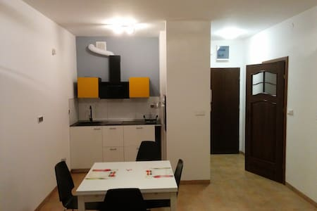 New apartment with security Wohnung - Warszawa - Lejlighed