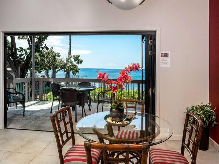 Ocean's Edge Paradise w/Lanai, Chic Kitchen, Laundry, AC, TVs+WiFi–Kanaloa at Kona 2301