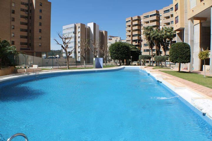 Appartment with pool near the beach