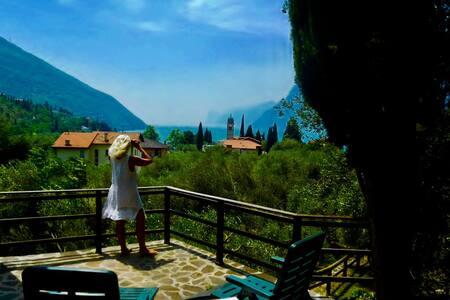 Casa Tanja-Bisergola 300m to lake garden space sun