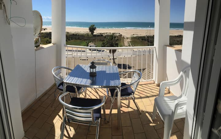 Apartment with sea views on the beach of Conil