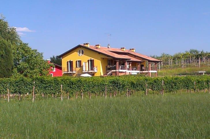 3.5-Zimmer-Wohnung (nähe Gardasee) - Verona - Apartamento