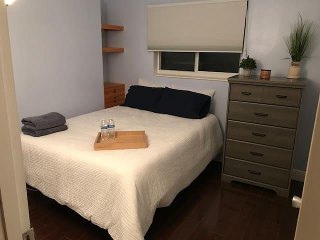 Comfortable room 6mi from SuperBowlLIV/Hardrock
