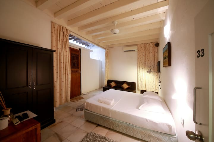 Boutique Room 33 (2pax) At Heritage Zone