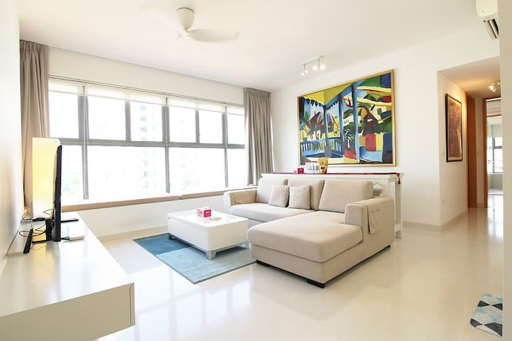 2BR apt in Novena, near Hospital & Food districts