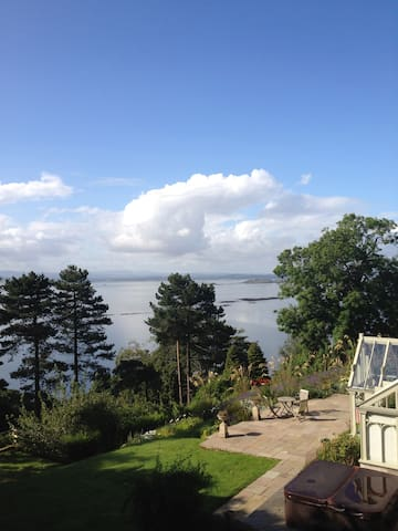 Coastal cottage with stunning view. - Burntisland