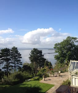 Coastal cottage with stunning view. - Burntisland - Casa