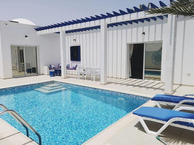 Villa 3 chambres + piscine sans vis a vis à djerba