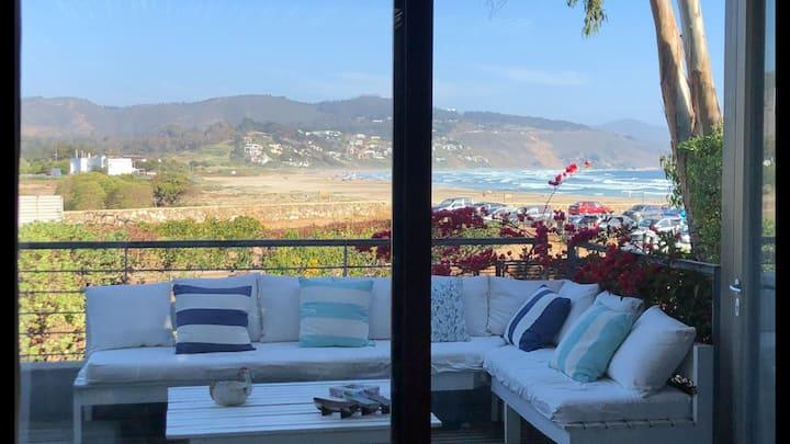 Hermosa y funcional casa a metros de la playa