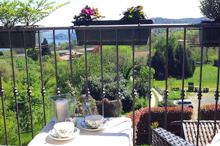 B&B loft with lake Maggiore view. - Nebbiuno