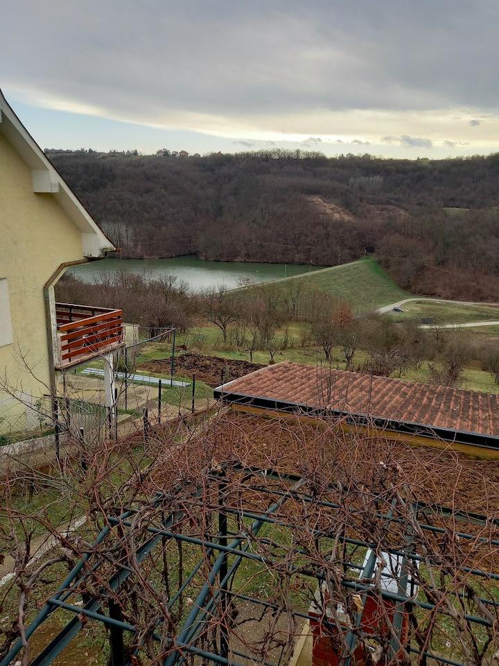 Kuća sa pogledom na jezero