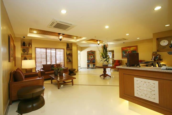 Cozy Convenient Boracay (Crown Regency Prince)