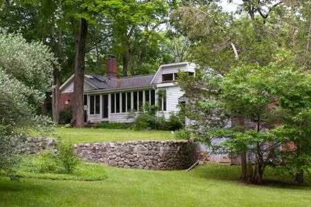 Beautiful modernist 3 BR home  - Cold Spring