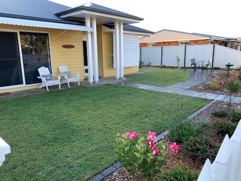 Guest Suite - close to Oaks Beach