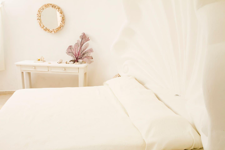 king bedroom smaller shell