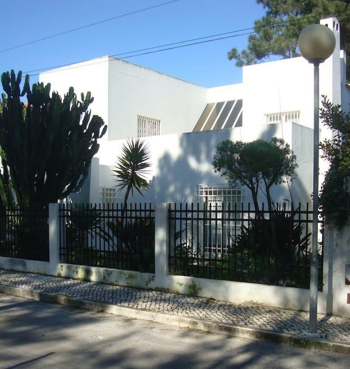 Beautiful Beach House Near Lisbon