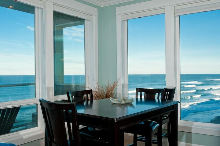 Cape Lookout - Corner Oceanfront Condo, Hot Tub!