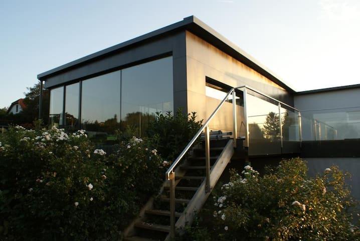 geschmackvolles privathaus in ruhiger lage h user zur. Black Bedroom Furniture Sets. Home Design Ideas