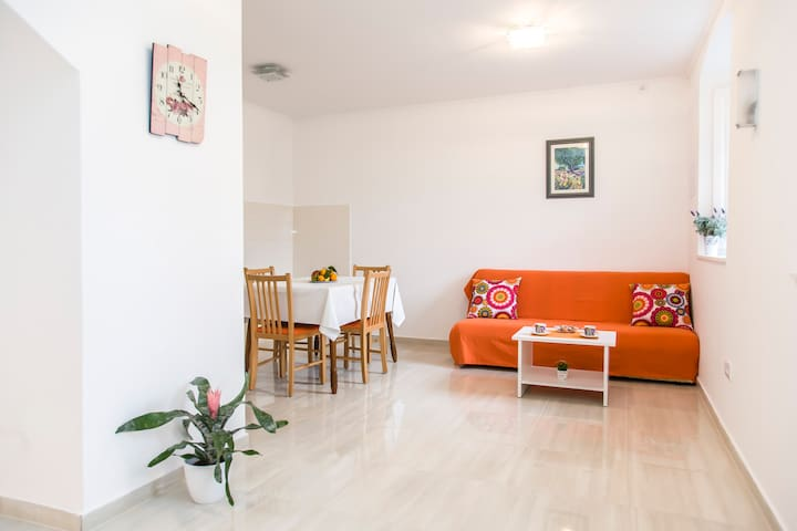 Gardenia House - Janjina - Huis