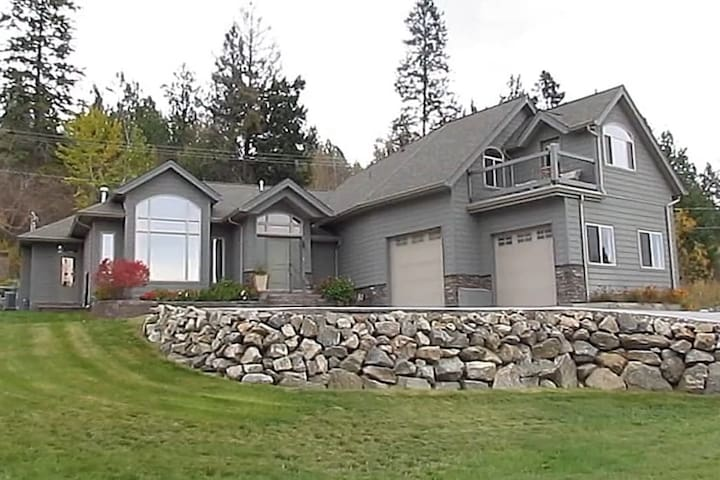 3034 Debeck Road residence