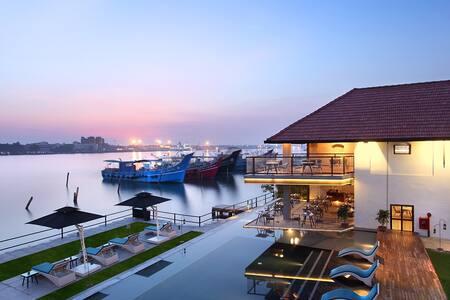 Xandari Harbour- Spice Room - Kochi - Bed & Breakfast