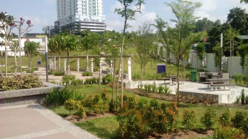 Epic Residence With Nice View of Johor Bahru - Johor Bahru - Kondominium