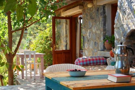 Dirim Guesthouse to feel alive - Yeniköy Kusadasi - Bed & Breakfast
