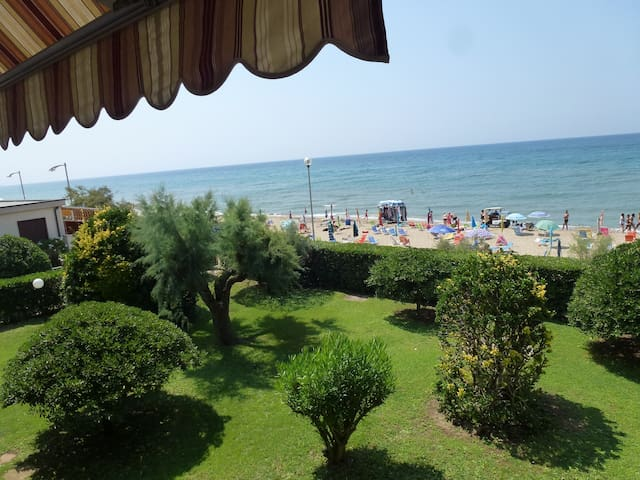 APPARTAMENTO SUL MARE  (4 POSTI LETTO) - San Vincenzo - Apartment