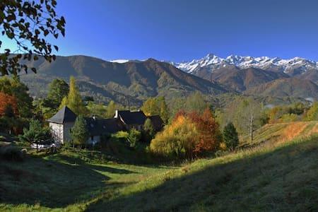 Berghaus mit panoramablick - Oust - Haus