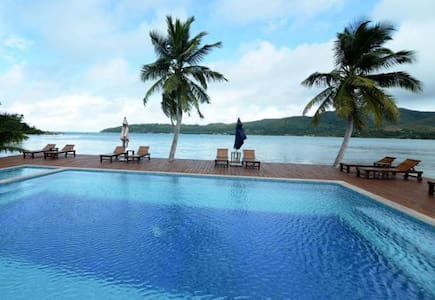 2 bedroom Beach front Bungalow - Praslin Island