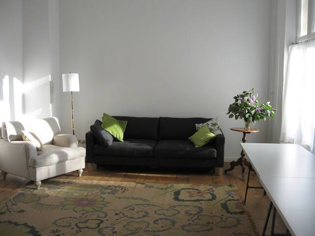 Atelier-Wohnung am Fuße d. Wartburg