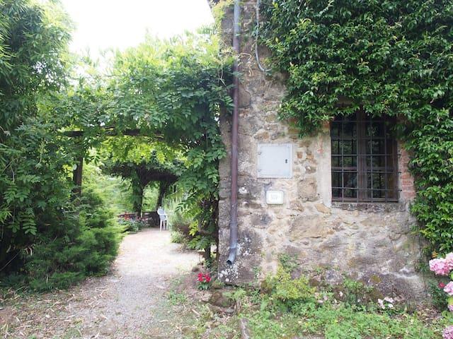 Private Stone Villa near Lucca - Piano di Coreglia - บ้าน