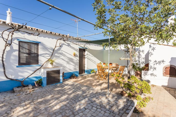 CHARMING COTTAGE NEAR TAVIRA