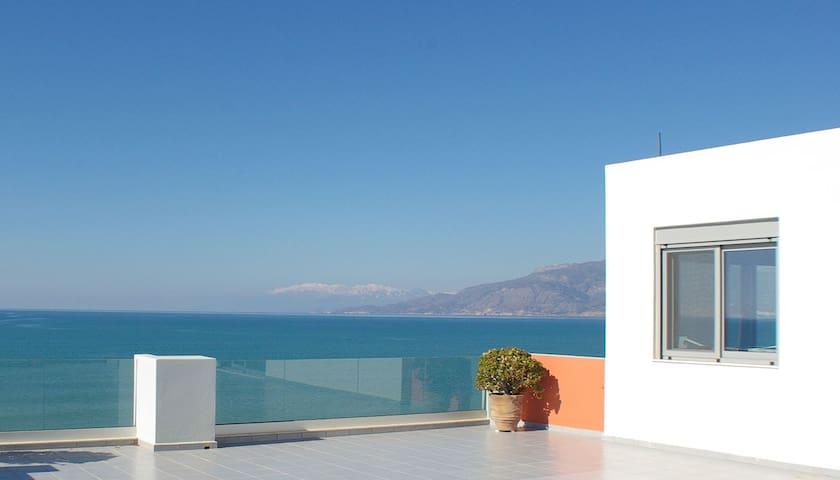 Ferienwohnung direkt am Meer - Heraklion - Apartment